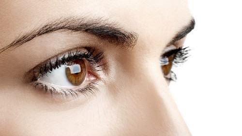 眼睛凹进去是什么原因导致的