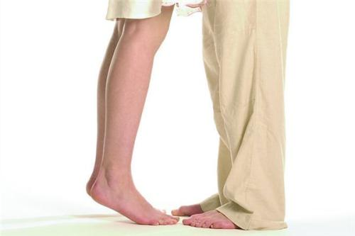 龙8国际真人整形医院腿部吸脂以后可以马上走路吗