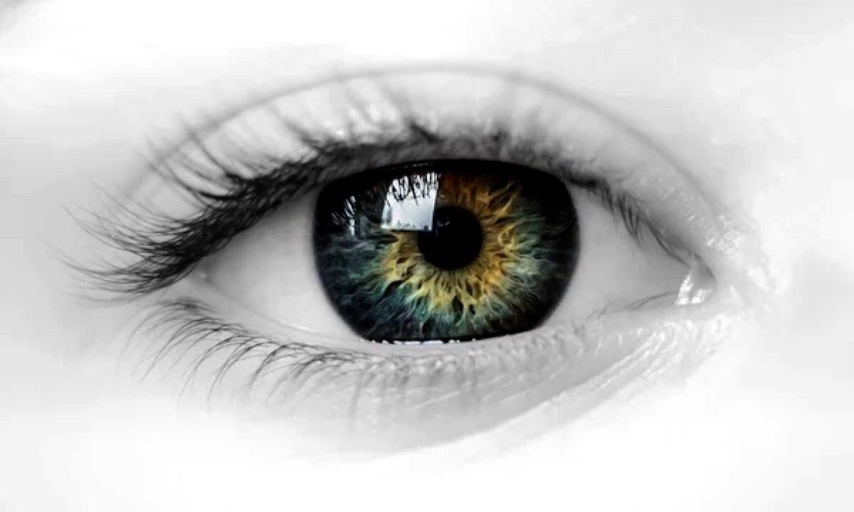 龙8国际真人整形医院做了双眼皮后出现肿胀怎么办